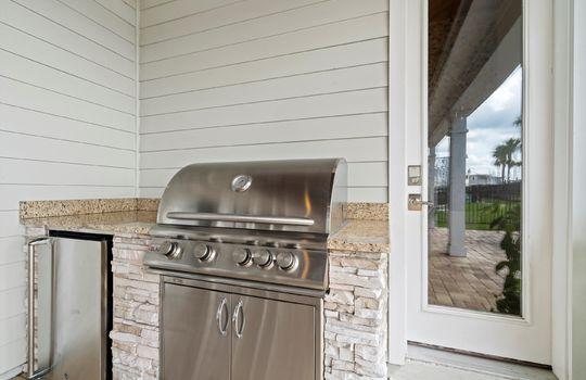 27-Outdoor Kitchen