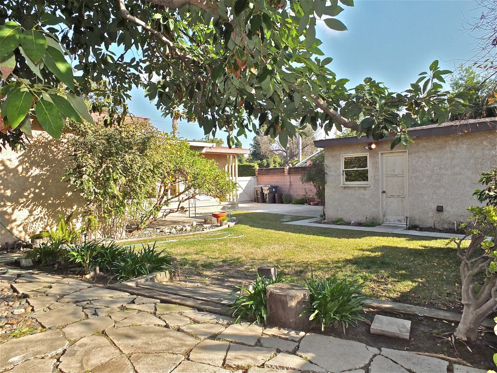 Starter home in east Long Beach