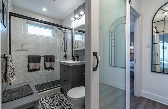 217-glendora-ave-long-beach-ca-90803-bathroom