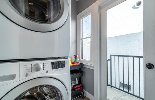 217-glendora-ave-long-beach-ca-90803-laundry-room