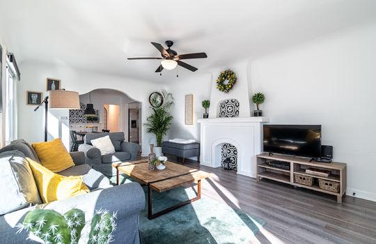 217-glendora-ave-long-beach-ca-90803-living-room-2
