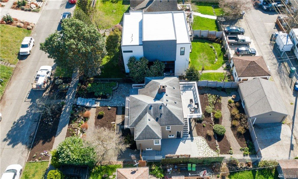 bird's-eye view of listing 1741601