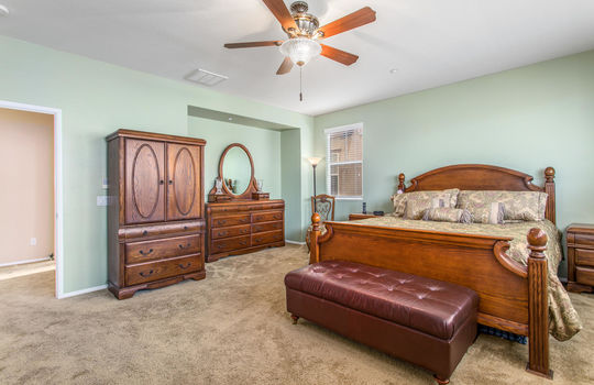 15922 Parkhouse Dr Fontana CA-large-022-024-Bedroom-1500x1000-72dpi