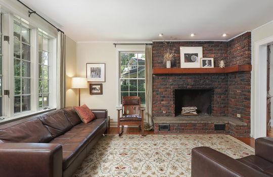 555 Woodland Ave Mountainside-large-016-049-Living Room-1500×1000-72dpi