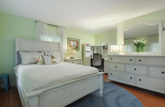 555 Woodland Ave Mountainside-large-029-022-Bedroom-1500×1000-72dpi