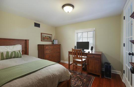 555 Woodland Ave Mountainside-large-033-030-Master Bedroom-1500×1000-72dpi