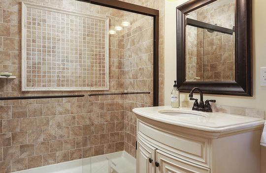 555 Woodland Ave Mountainside-large-035-027-Bathroom-667×1000-72dpi
