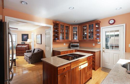 535 Hort St Westfield NJ 07090-large-025-006-Kitchen-1500×1000-72dpi