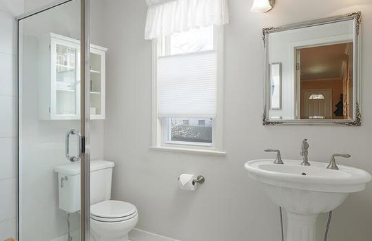 535 Hort St Westfield NJ 07090-large-028-001-Bathroom-667×1000-72dpi