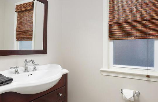 535 Hort St Westfield NJ 07090-large-035-010-Bathroom-667×1000-72dpi