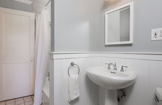 523 Dudley Ct Westfield NJ-027-014-Bathroom-MLS_Size