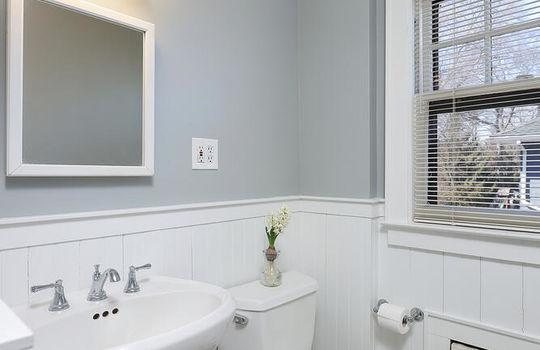 523 Dudley Ct Westfield NJ-large-026-001-Bathroom-667×1000-72dpi