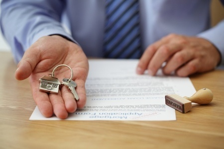 What Are The Benefits And Drawbacks Of Putting 20 Percent Down On A Chicago Home Purchase?