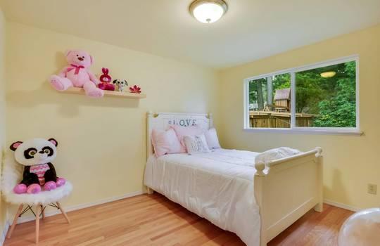 017_4th Bedroom