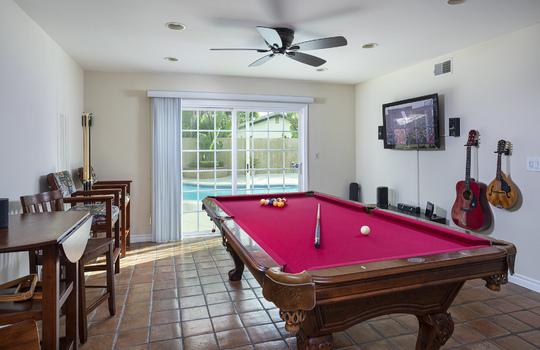 _21_pool-table