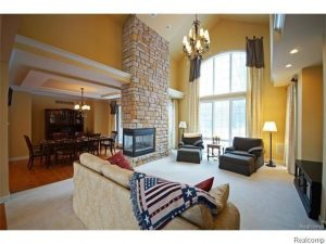 6000 Pinemont Living Area