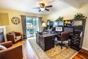 home office in yellow