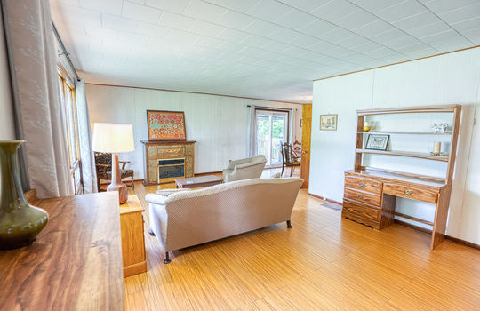 5755 Front Road-25