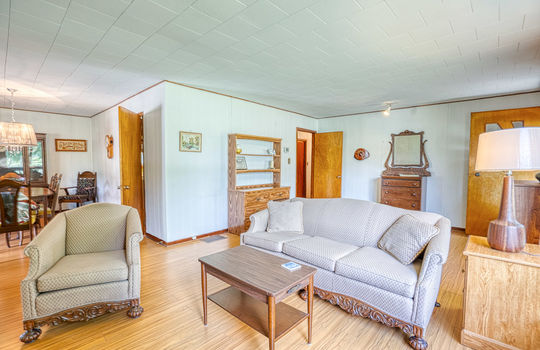 5755 Front Road-30