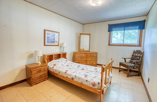 5755 Front Road-40