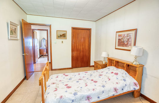 5755 Front Road-41