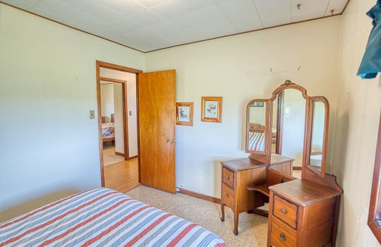5755 Front Road-43