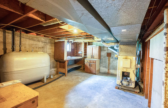 5755 Front Road-45