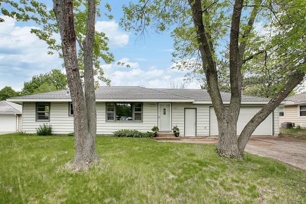 Coon Rapids home SOLD – 11051 Xavis Street NW!