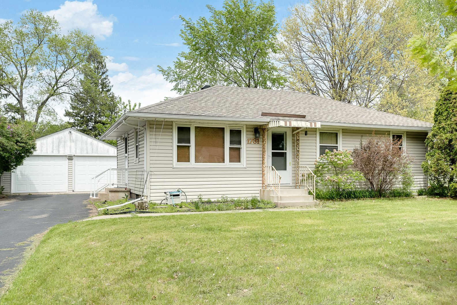 Shoreview rambler SOLD – 1731 Hillview Road!