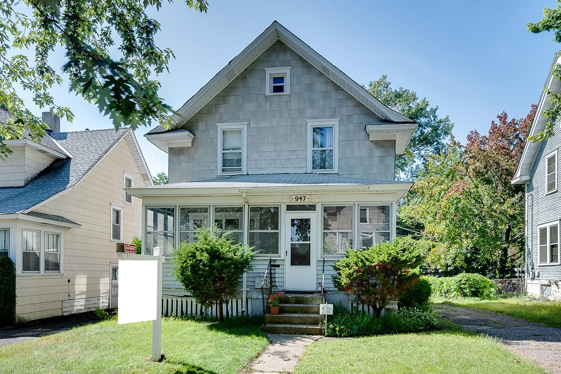SOLD in St. Paul – 947 Westminster Street!