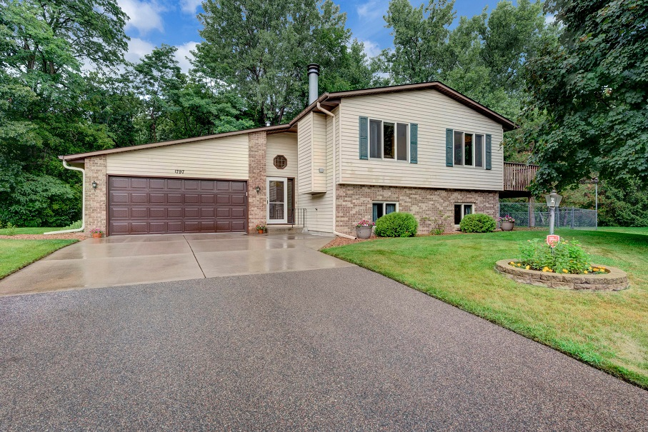 SOLD in Maplewood!