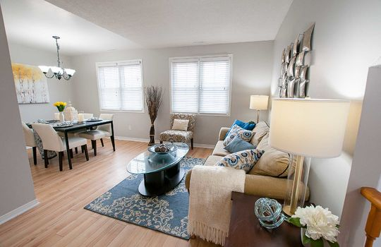 46 Empire Cres., Courtice - Living Dining Room
