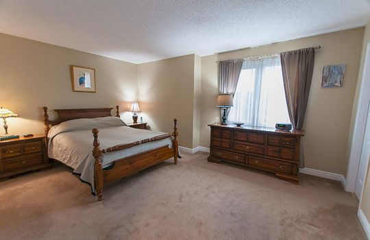 43 Newport Ave Courtice - Master Bedroom