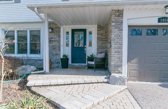 1055 Basswood Crt Oshawa - Front Door