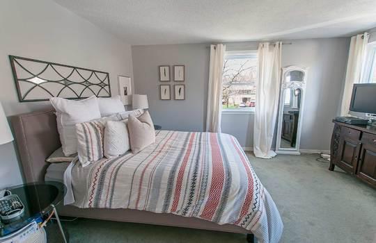 1055 Basswood Crt Oshawa - Master Bedroom