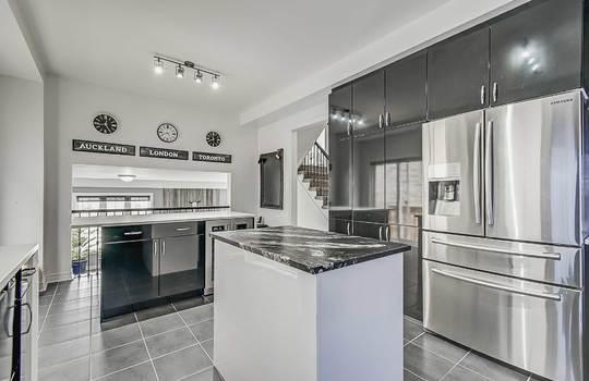 33 Crellin St., Ajax - Kitchen