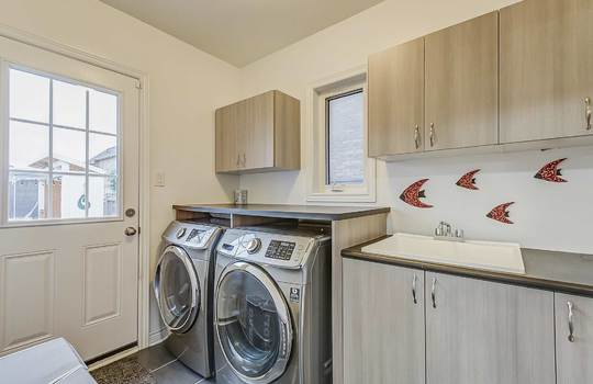 33 Crellin St., Ajax - Laundry Room