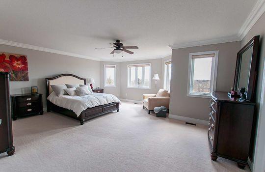 39 Kersey Cres Courtice - Master Bedroom