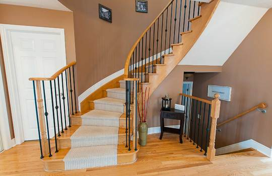 39 Kersey Cres Courtice - Staircase