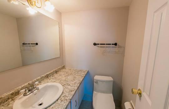 3380 Eglinton Ave E., #1680, Toronto -Bathroom