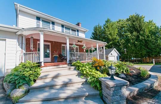 320 John Street, Cobourg -Front Porch
