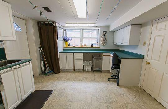 320 John Street, Cobourg - Laundry Room