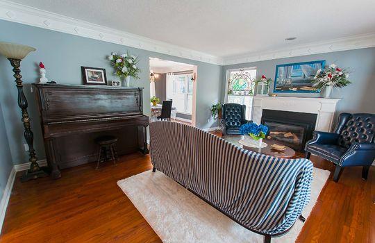 320 John Street, Cobourg - Living Room