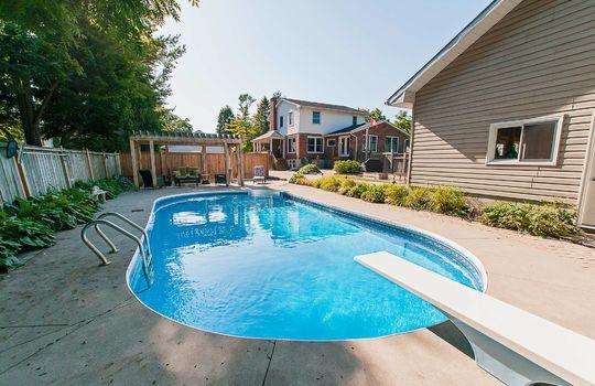 320 John Street, Cobourg - Pool