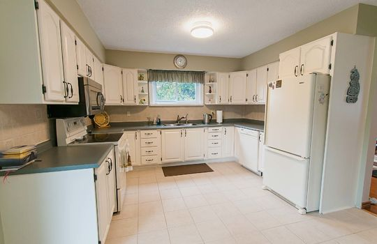 57 Wilmot Street, Newcastle - Kitchen