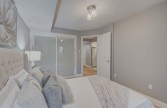 Master Bedroom - 887 Bay St #661, Toronto