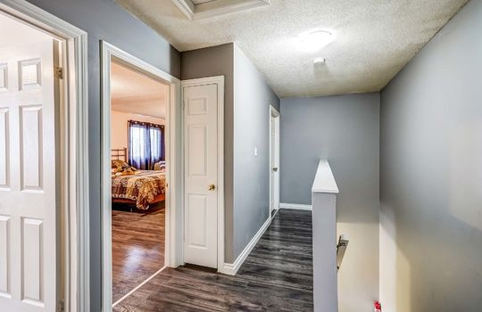 2nd Floor Hallway - 960 Glen St Oshawa