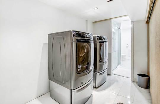 13 Addley Cres., Ajax - Laundry