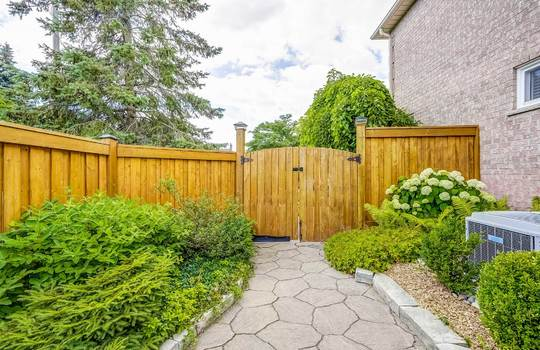 37 Braebrook Dr., Whitby - Back Yard