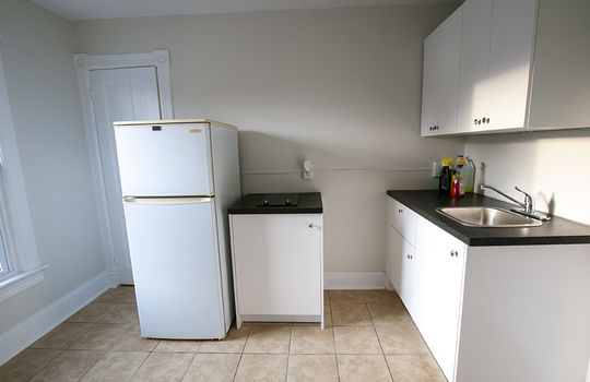 195 Albert St Oshawa - Unit 2 Kitchen